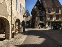 noyers-sélection-plus beaux-villages-de-france